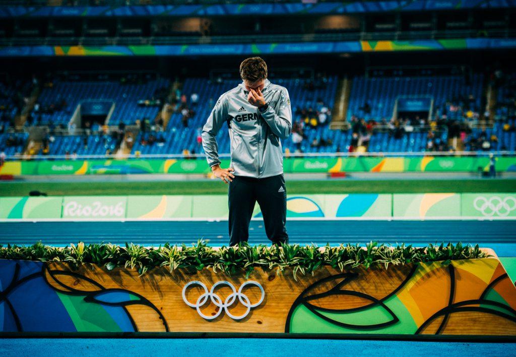 Thomas Röhler Speerwurf Olympiasieger 2016 bei der Siegerehrung - medal ceremony javelin olympic games 2016