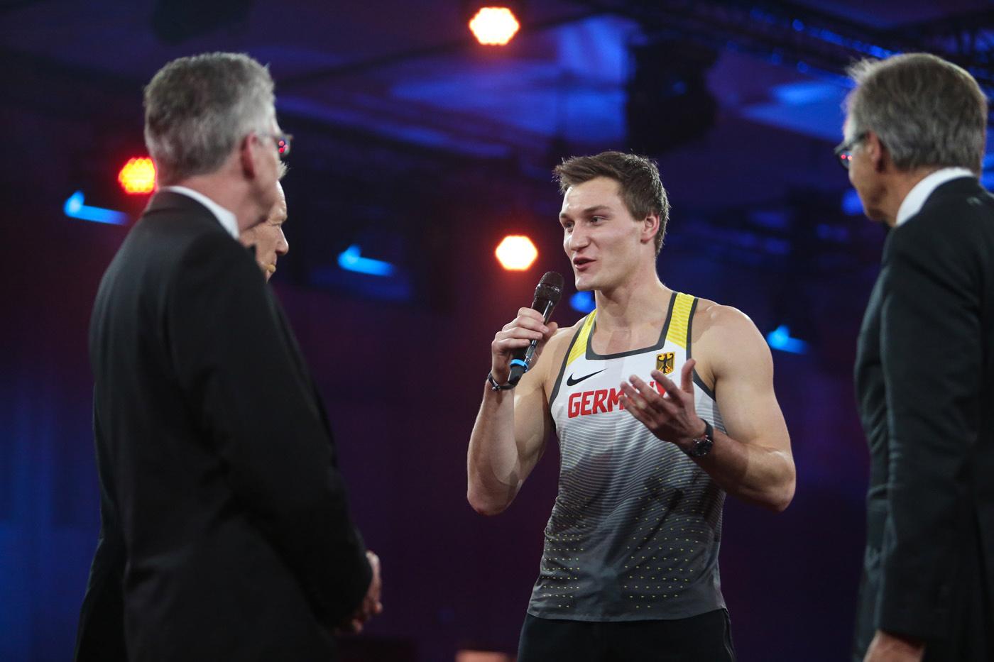 Thomas Röhler beim Ball des Sports 2018 mit Innenminister Thomas de Maizière