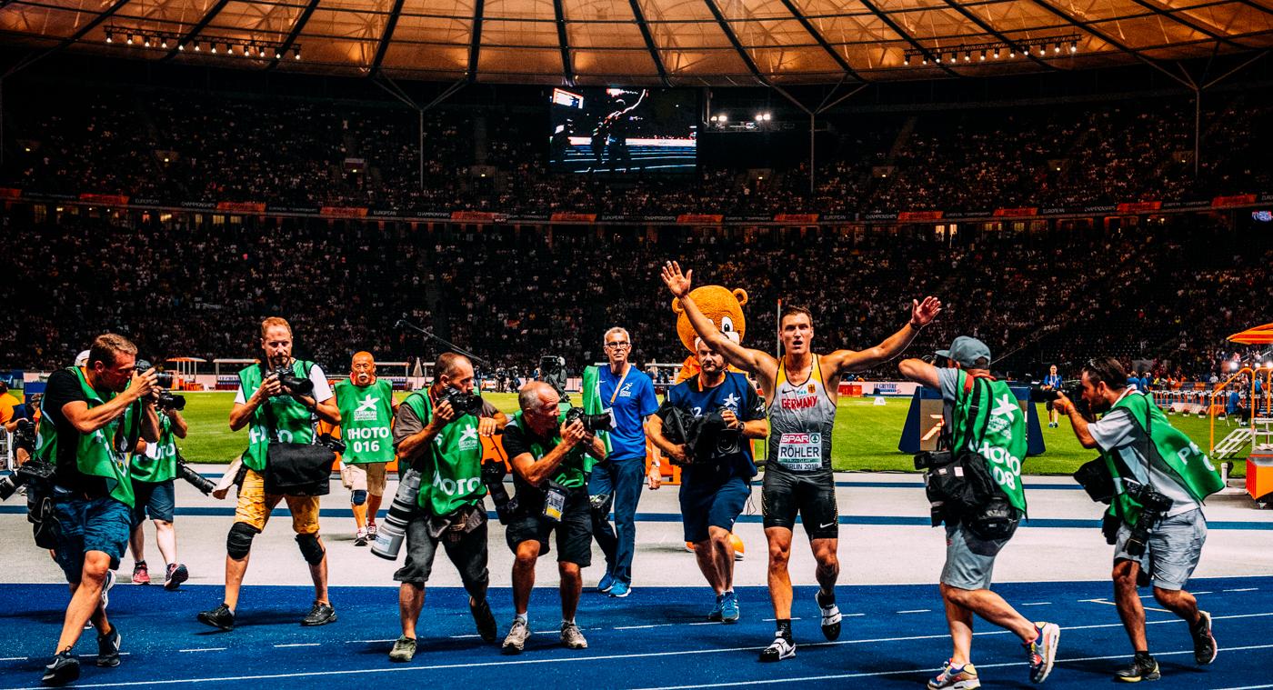 Thomas Röhler Europameister Speerwurf feiert
